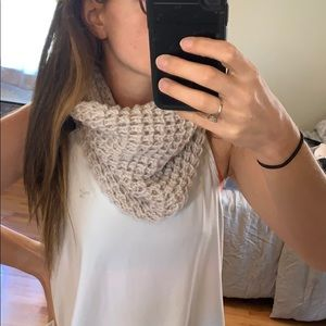 Thick knit cowl